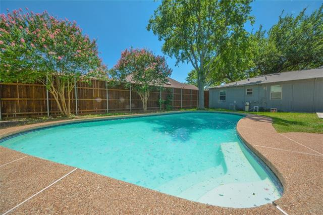 Photo of 17822 Hillcrest Road  Dallas  TX