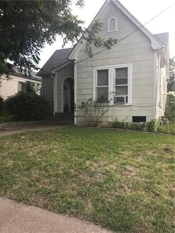 Photo of 221 N Waco Street  Hillsboro  TX