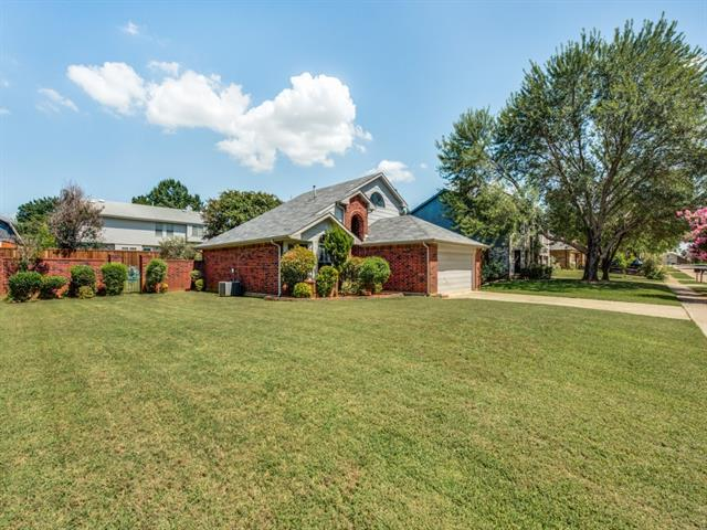 Photo of 2703 Skyview Drive  Corinth  TX