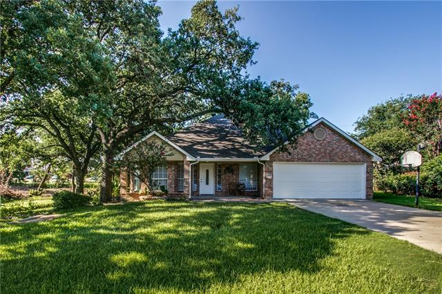 Photo of 106 Hillcrest Street  Lake Dallas  TX