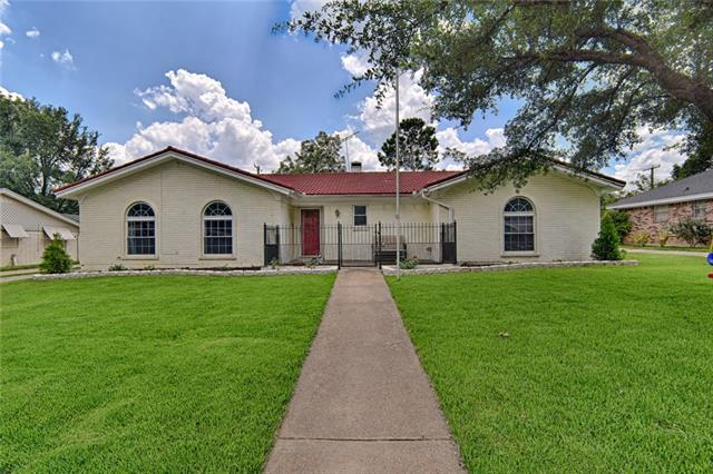Photo of 325 W Pleasantview Drive  Hurst  TX