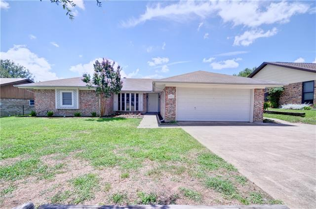 Photo of 9921 Edmund Drive  Benbrook  TX