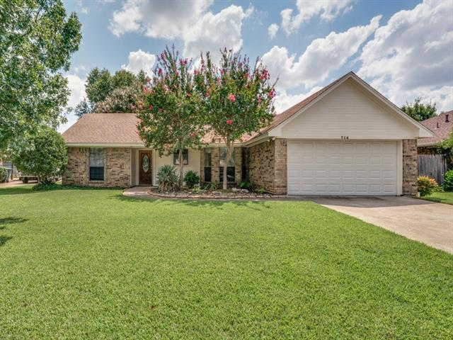 Photo of 714 Lakewood Lane  Grapevine  TX