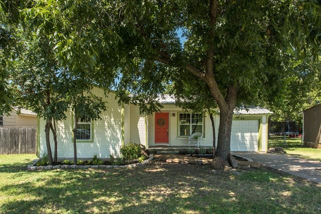 Photo of 2500 Purselley Avenue  Fort Worth  TX