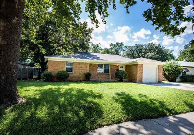 Photo of 3333 Lakeland Street  Fort Worth  TX