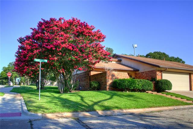 Photo of 6201 Post Oak Terrace  Fort Worth  TX