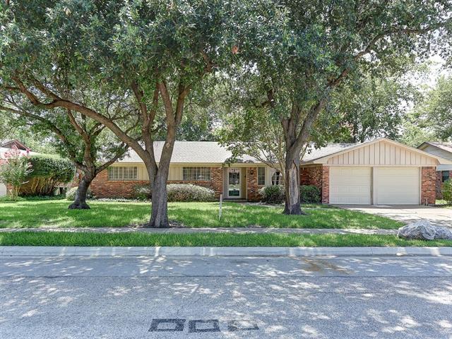 Photo of 5417 Susan Lee Lane  North Richland Hills  TX