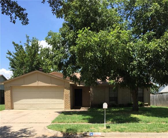 Photo of 6711 Blackberry Drive  Arlington  TX