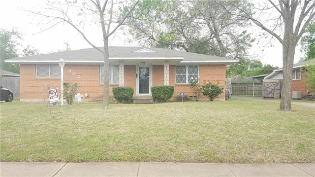 Photo of 602 DONLEE Road  Lancaster  TX