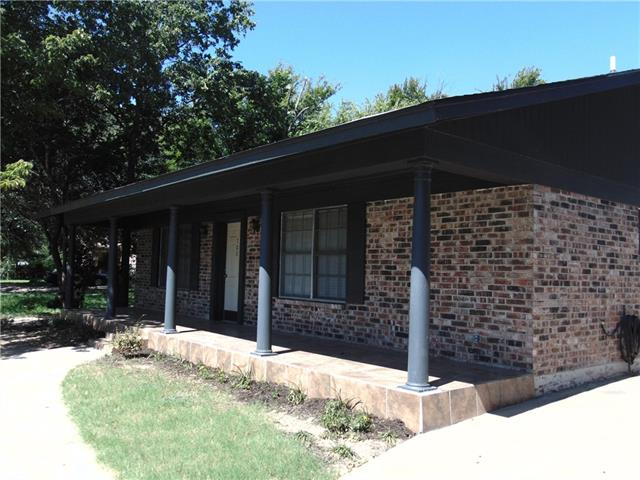 Photo of 700 SW Barnard Street  Glen Rose  TX