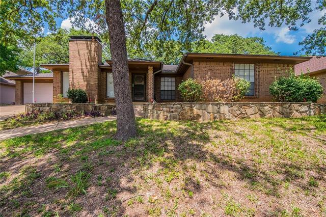 Photo of 2211 Oakwood Lane  Arlington  TX