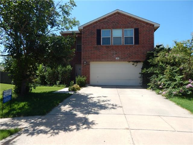 Photo of 1804 Lariat Drive  Fort Worth  TX