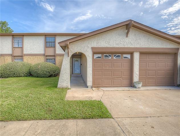 Photo of 1019 Pleasant Valley Lane  Arlington  TX