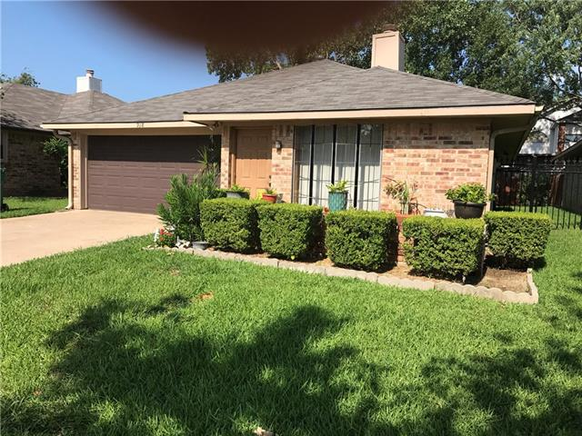 Photo of 918 Boxwood Drive  Lewisville  TX