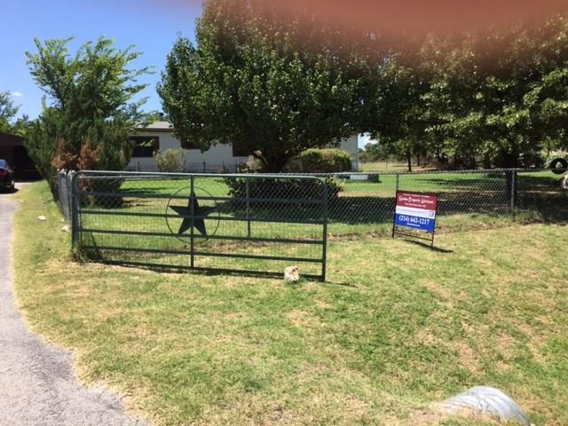 Photo of 385 Briar Oaks Lane  Azle  TX
