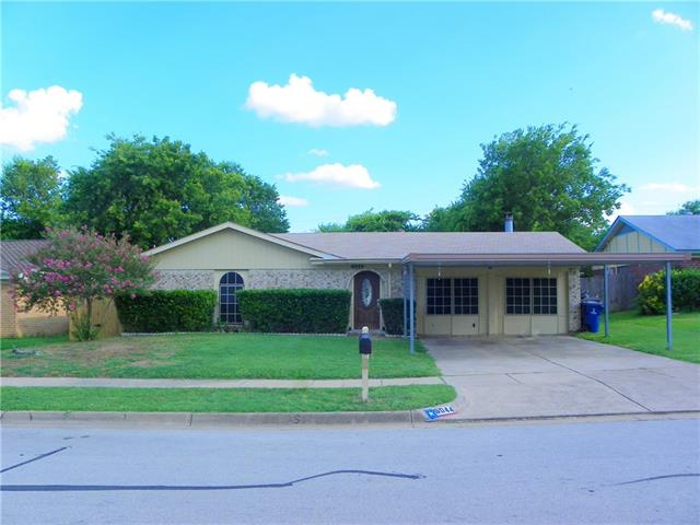 Photo of 6044 Ridgecrest Drive  Watauga  TX