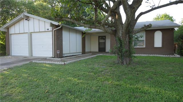 Photo of 1531 Rockbrook Street  Lancaster  TX