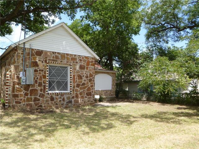 Photo of 412 W Ball Street  Weatherford  TX
