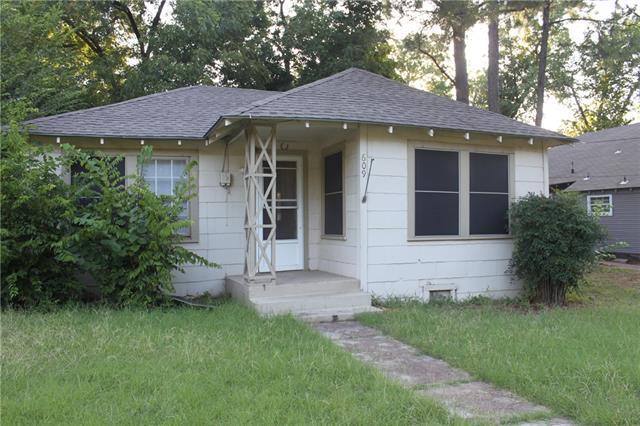 Photo of 609 Baird Street  Cleburne  TX