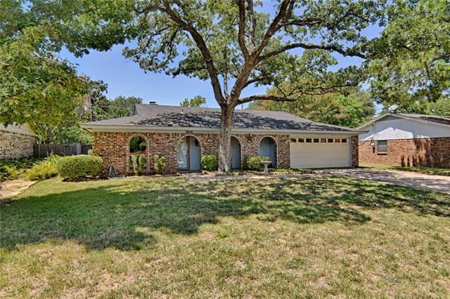 Photo of 2614 Bent Tree Lane  Arlington  TX