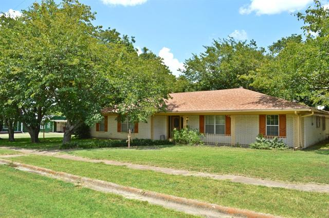 Photo of 302 W Market  Honey Grove  TX
