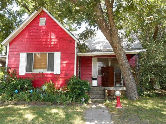 Photo of 1510 S Lindsay Street S  Gainesville  TX