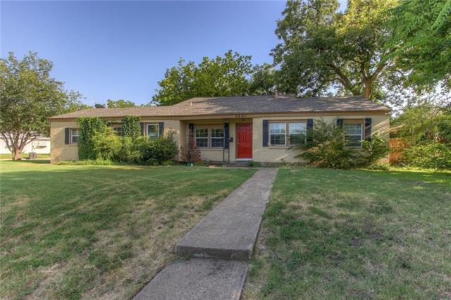 Photo of 2801 W Biddison Street  Fort Worth  TX