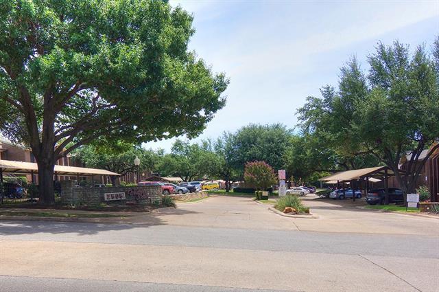 Photo of 2505 Wedglea Drive  Dallas  TX