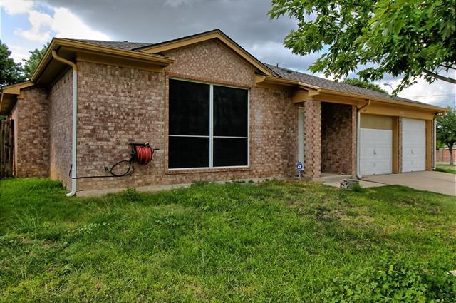 Photo of 1725 Wren Drive  Mansfield  TX