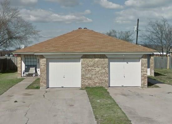 Photo of 324 Spring Branch Lane  Kennedale  TX