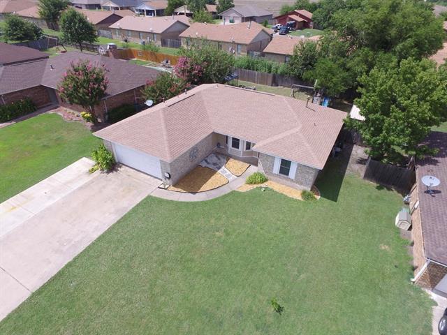 Photo of 3904 Sunhill Drive  Greenville  TX
