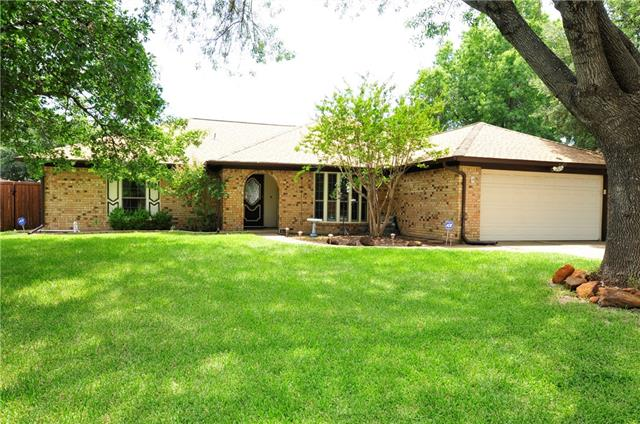 Photo of 4202 High Mesa Court  Arlington  TX