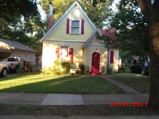 Photo of 310 N Walnut Street  Cleburne  TX