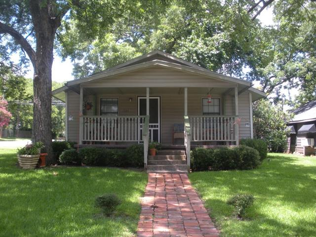 Photo of 1531 W BOND Street  Denison  TX