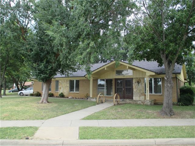Photo of 212 Somerset Terrace  Bedford  TX