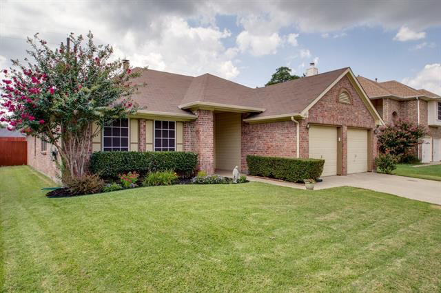 Photo of 1212 Hanover Drive  Euless  TX