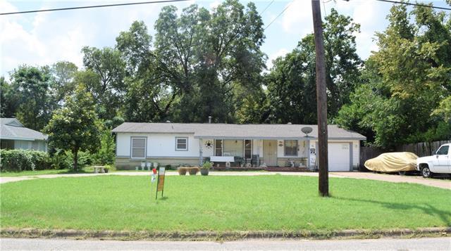 Photo of 5017 White Oak Lane  River Oaks  TX