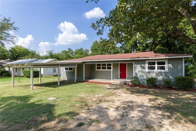 Photo of 310 N Holloway Street  Cleburne  TX
