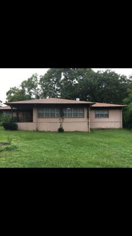 Photo of 21251 Woodland Lane  Chandler  TX