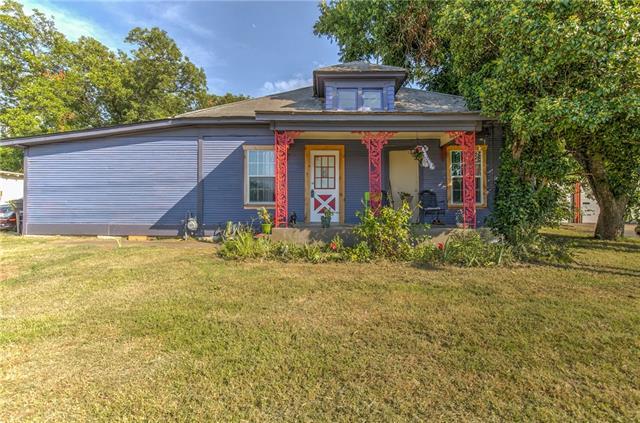 Photo of 1128 E Henderson Street  Cleburne  TX