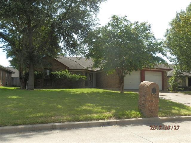 Photo of 6602 Darcy Lane  Arlington  TX