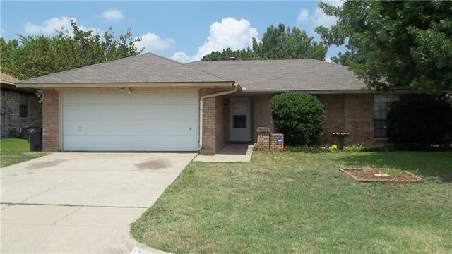 Photo of 2708 Meadow Ridge Drive  Fort Worth  TX
