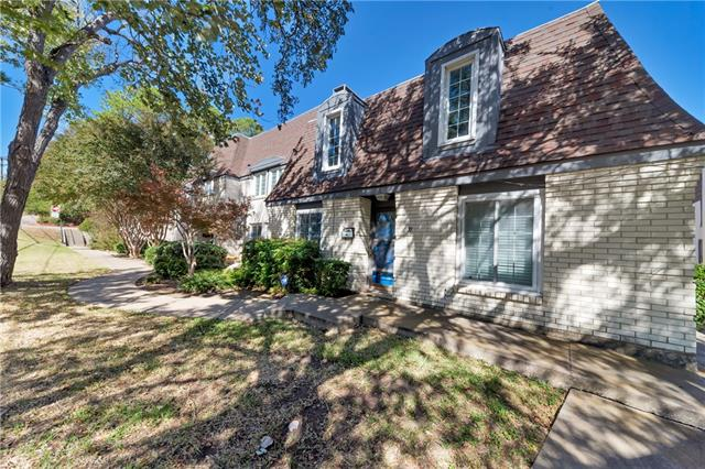Photo of 804 Chateau Valee Circle  Bedford  TX