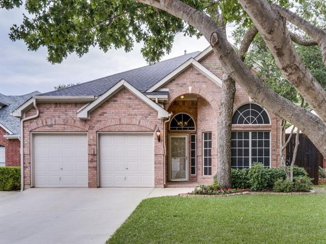 Cul de Sac property for sale at 2152 Pritchard Drive, Grapevine Texas 76051