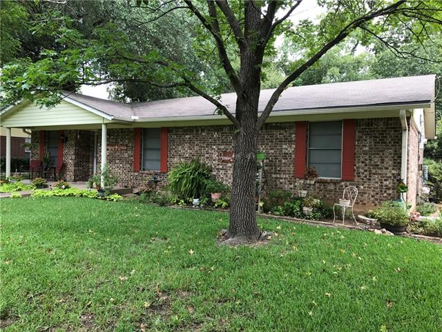 Photo of 202 Arledge Street  Bonham  TX