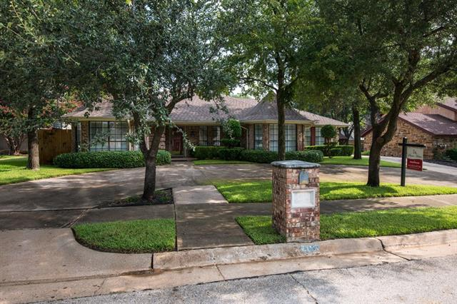 213 Eagle Court, Bedford in Tarrant County, TX 76021 Home for Sale