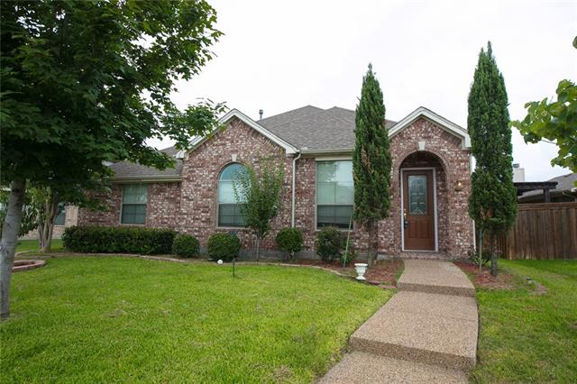 817 Blazing Star Garland, TX 75043