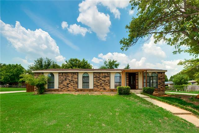 Photo of 504 Windmere Circle  Corinth  TX