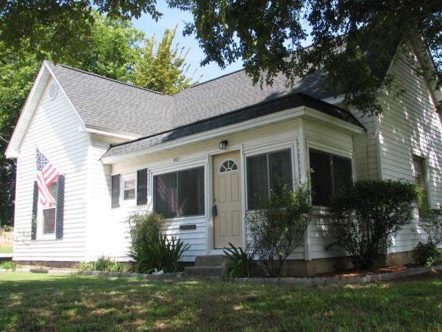Photo of 401 Summer Tree Lane  Springtown  TX