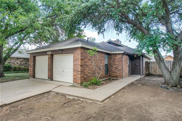 Photo of 2526 Butterfield Drive  Fort Worth  TX